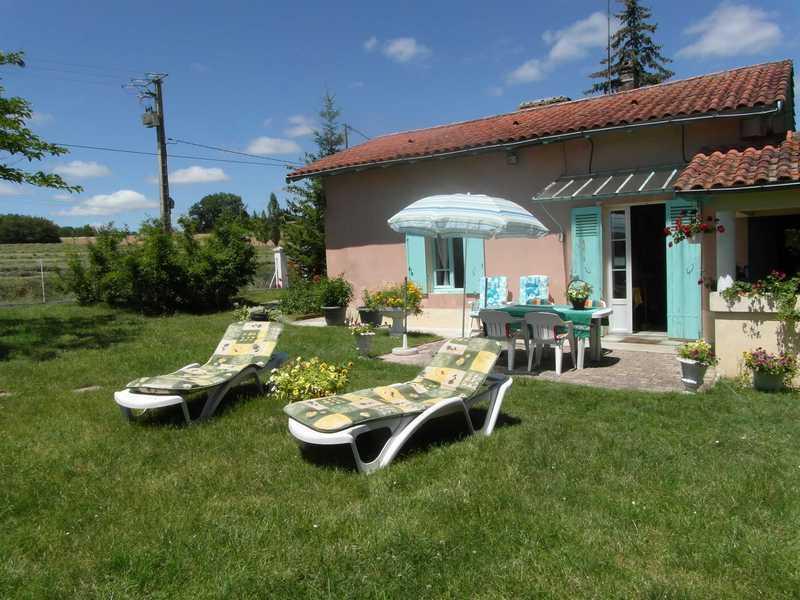 6pers.huis bij BERGERAC Dordogne  ZUID Frankrijk va €300/wk nu vroege lente korting Zwembad