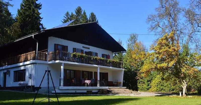 10 km boven de beroemde Wörthersee in Karinthië