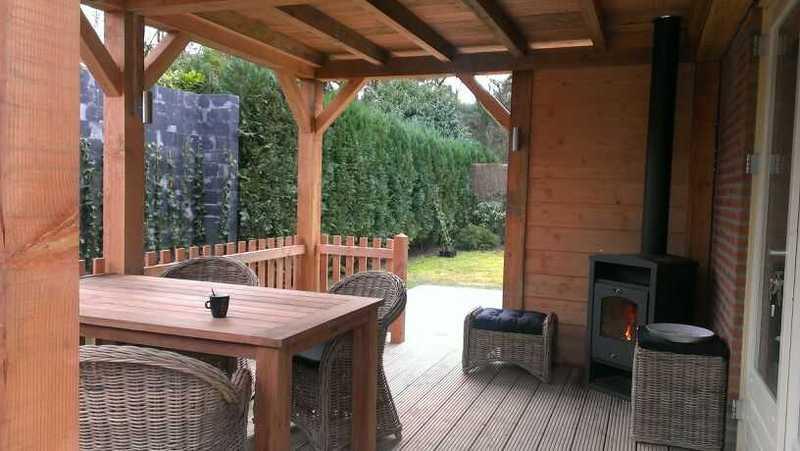 4 luxe Wellness Bungalows met sauna en buitenspa/jacuzzi