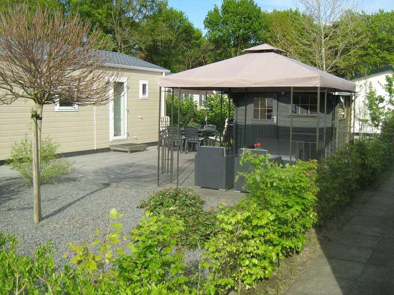 Te huur: Luxe chalet 6 persoons (nr. 344) op camping de Kleine Belties