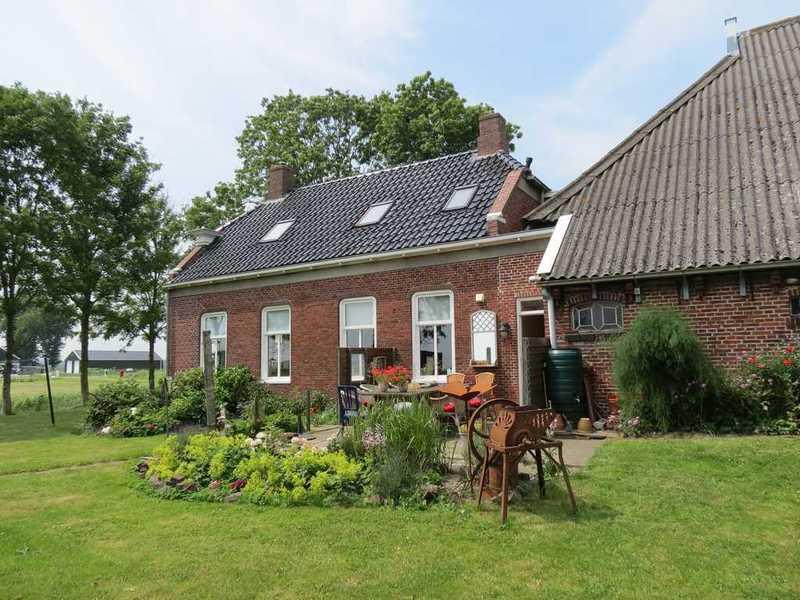 Vakantiehuis Boerderij Steenhuis, tot 10 personen, met kano's en fietsen.