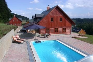 Luxe vakantiehuis Chalupa Bergov met zwembad (10p.)