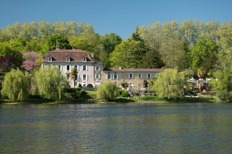 Landgoed les Magnolias, Luxe vakantiewoningen in voormalig wijnpakhuis gelegen aan de Dordogne