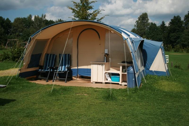 Verhuurtent voor 4 personen Camping de Regenboog